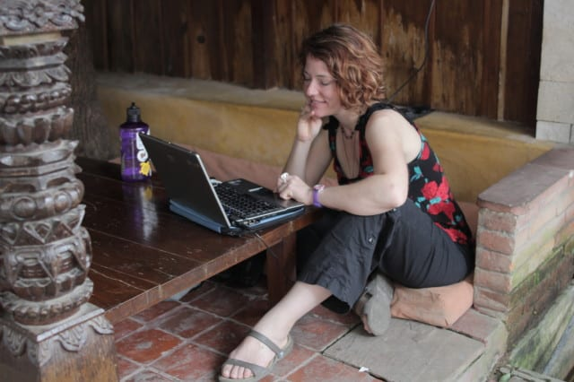 Photograph of travel writer and blogger Nora Dunn, the professional hobo, in Nepal