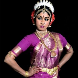 Photograph of Kuchipudi dancer Shobha Kormabil