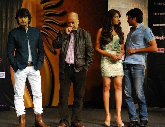 Photograph of Bollywood stars at IIFA Awards in Toronto Sonu Nigam, Anupam Kher, Bipasha Basu and Ritesh Deshmukh