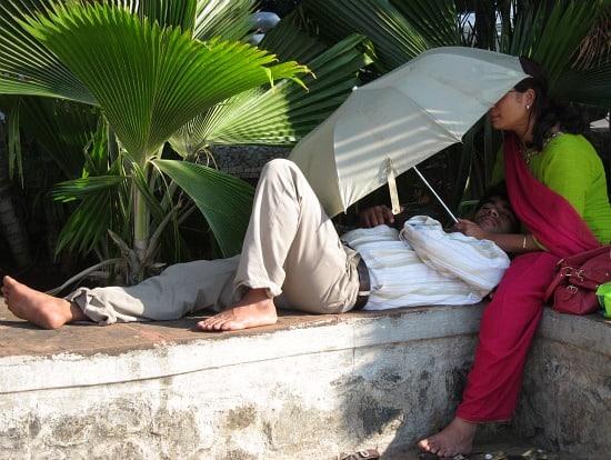 Photograph of lovers on the Bandra bandstand, Mumbai, India