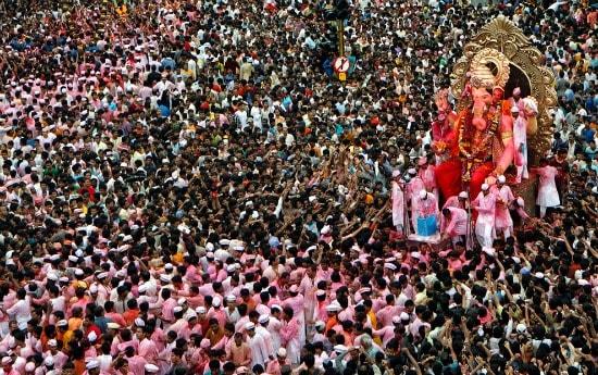 Beautiful Vinayak Visarjan Ganesh Ji Ki Murti Visarjan for Free Download