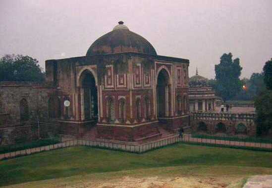 The moment it hit me I was in India: mosque at Qutab Minar complex, Delhi