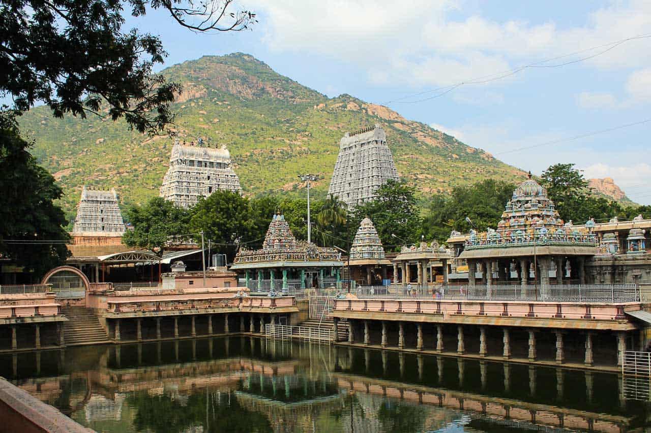 Tiruvannamalai scene with mountain and temple