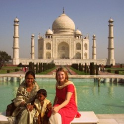 Mariellen Ward at Taj Mahal in India