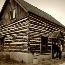 log cabin Ottawa