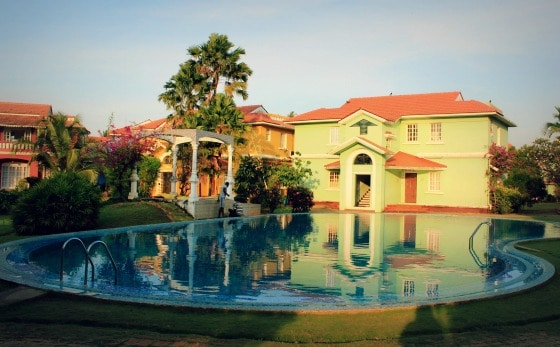 Pool and villas in Goa, India