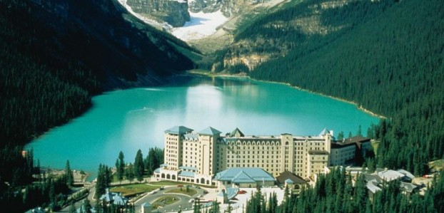 Fairmont Chateau Lake Louise with the famous lake and the Rocky Mountains