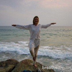 Mariellen Ward, Kerala, India, Arabian Ocean, beach, yoga