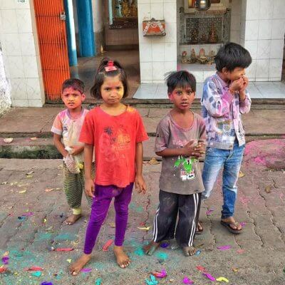 Children of Agra, India on the street
