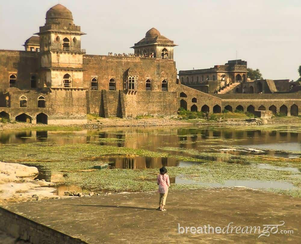 Best tourist places in Madhya Pradesh Mandu
