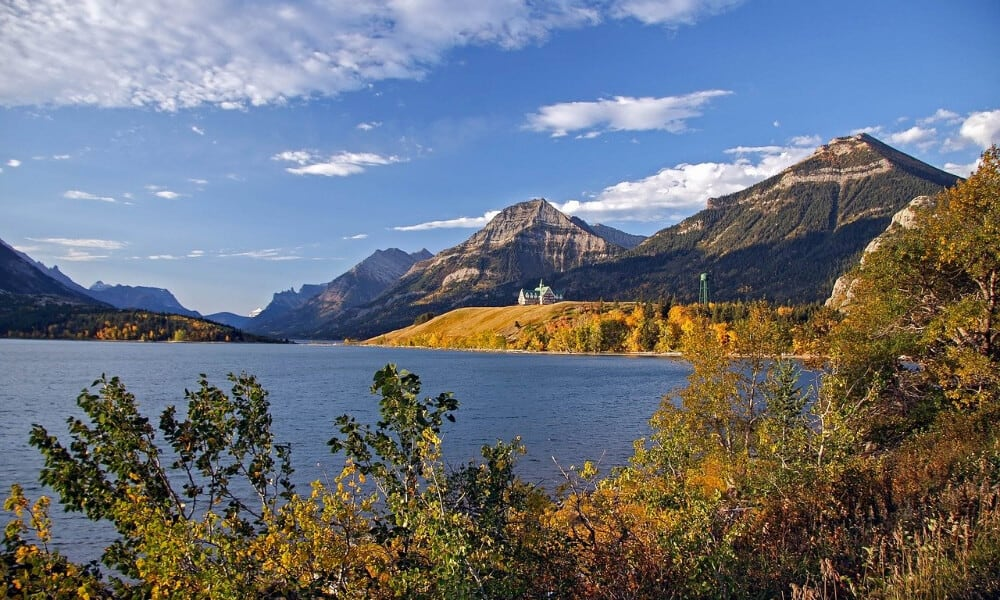 20 best places to travel in Canada 2020 Waterton Alberta