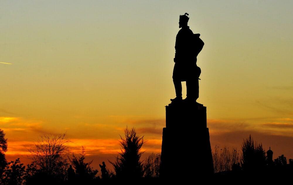 statue in Uzbekistan at dusk